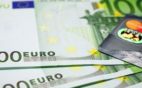 Väčšinu úspor držia Slováci na účtoch, vkladoch a v hotovosti