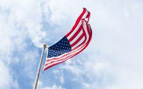 Americká ekonomika pokračuje v miernom raste