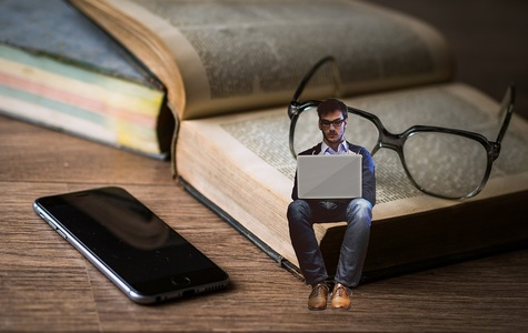 Stredoškoláci sú vo finančnej gramotnosti priemerní