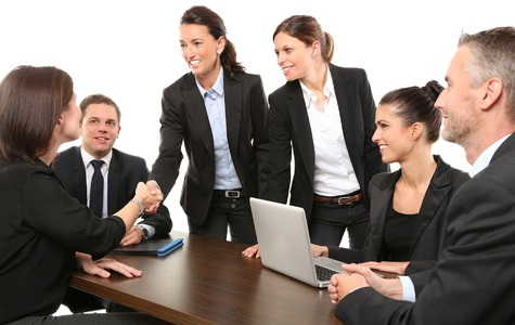 Odhaľte úskalia manažérskych zmlúv