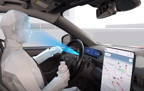 Ford predstavil nového autopilota. Vodič nemusí držať ruky na volante