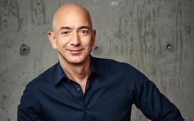 Najbohatší človek sveta! Šéfa Amazonu nezastavil ani koronavírus