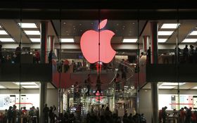 Apple zažaloval Qualcomm - chce miliardu dolárov
