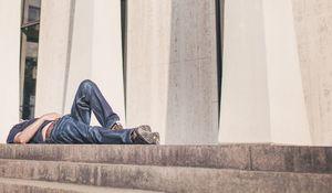 """Prokrastinácia v práci: alebo zamestnanec ako """"zlodej času"""" vo firme"""