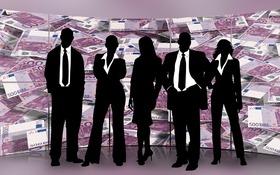 Plat už nie je tajomstvo, firmy odkrývajú karty...