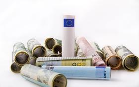 EÚ uvoľnila 37 mld. eur z eurofondov na boj s koronavírusom