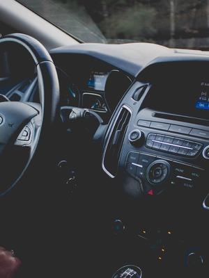 Automobilový priemysel hľadá novú pokrízovú tvár. Globalizácia verzus nedostatok surovín