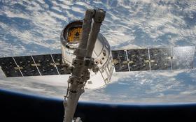 Video: Vláčik satelitov Elona Muska. Chce internet na každom centimetri Zeme