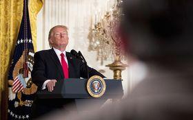 Trump v prejave pred Kongresom nezverejnil detaily svojich ekonomických plánov